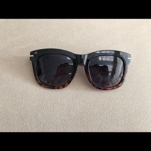 Madeleine Petsch sunglasses